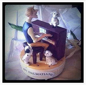 Vintage Disney 101 Dalmatians Musical Figurine
